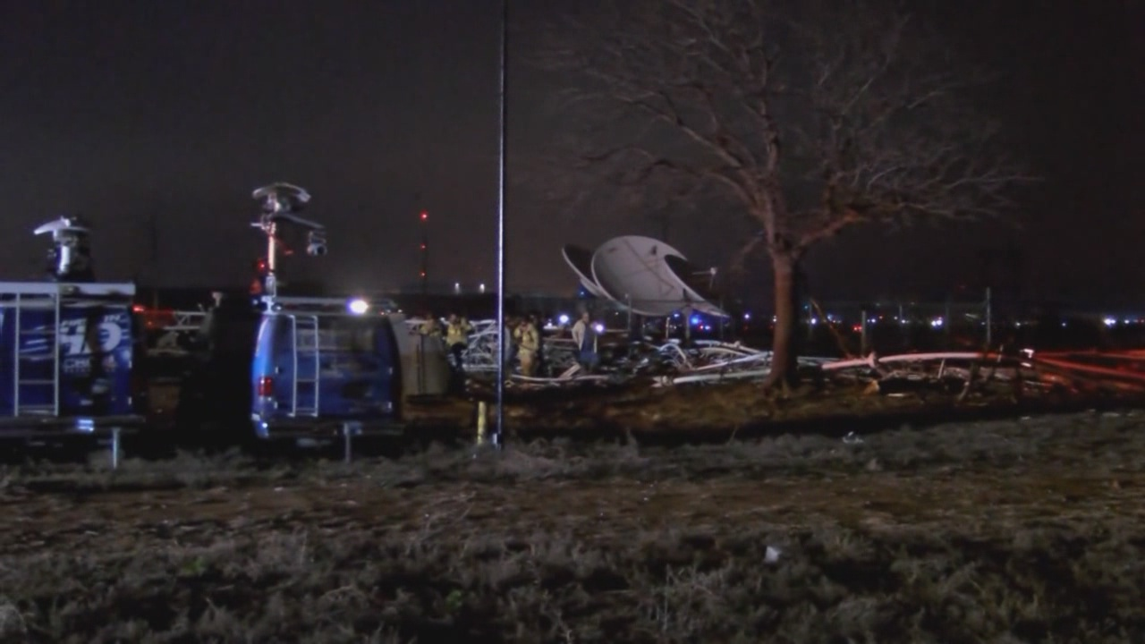 Plane flying from Carlsbad hits Texas TV tower_92462