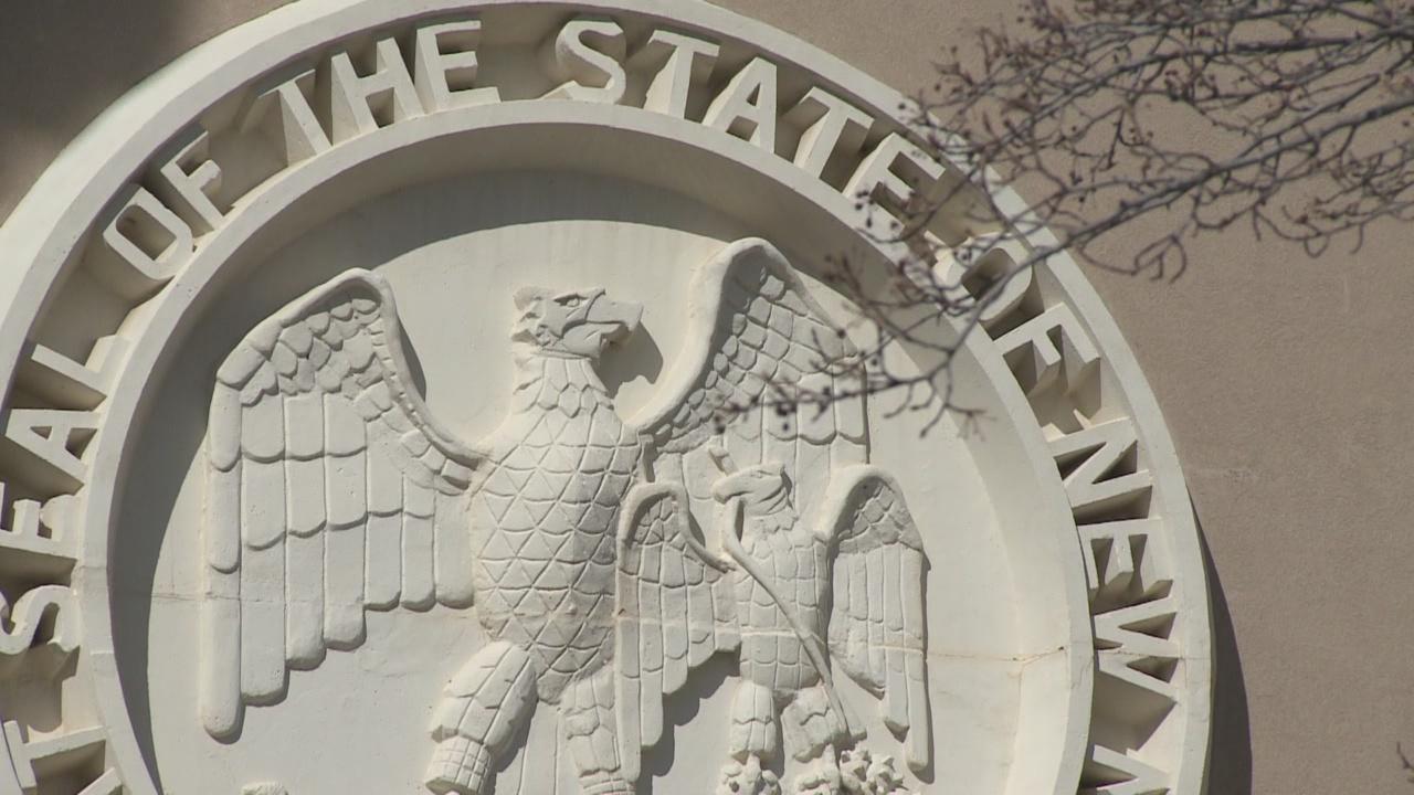New Mexico Legislature passes $330 million virus relief bill