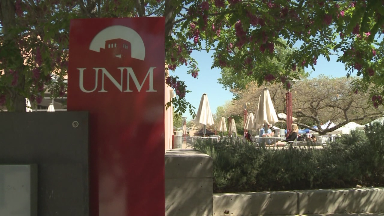 UNM welcomes fresh faces and returning students_423893
