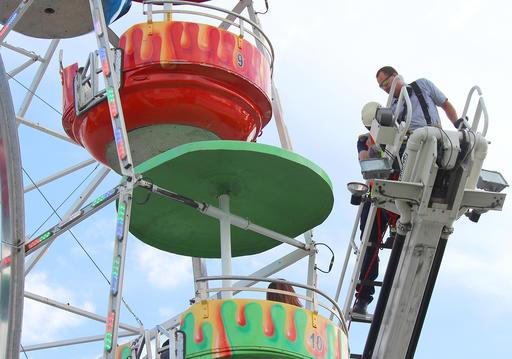 Ferris-Wheel-Fall_416077