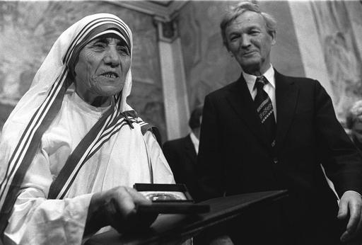 Mother Teresa Timeline_432863