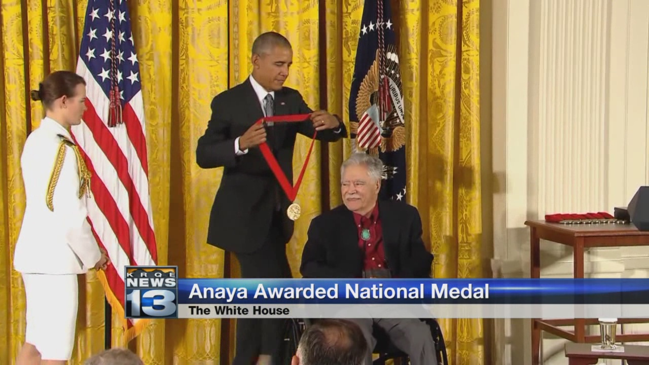new-mexico-poet-receives-medal-at-the-white-house_443521