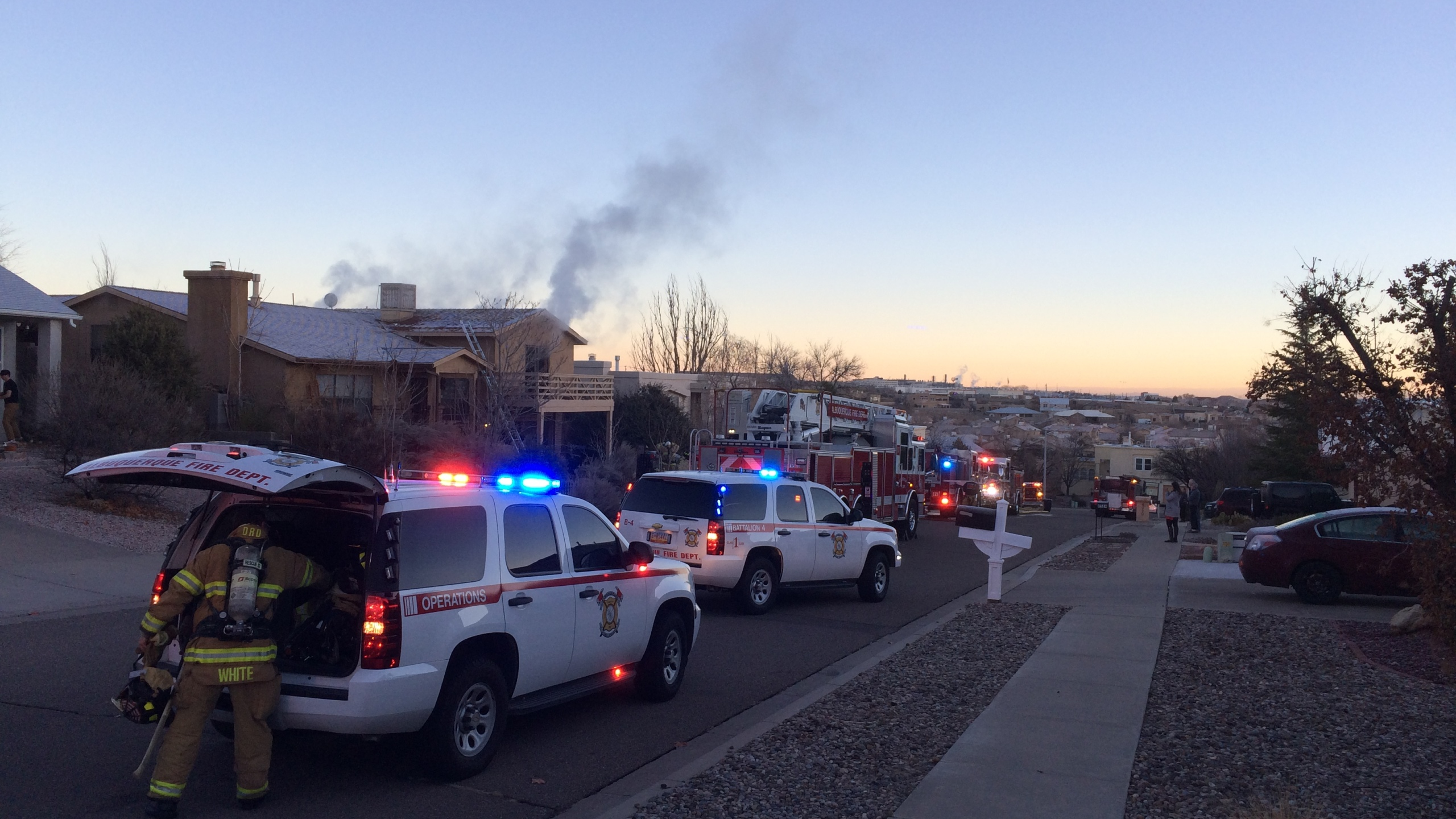 fire-nw-abq_509928