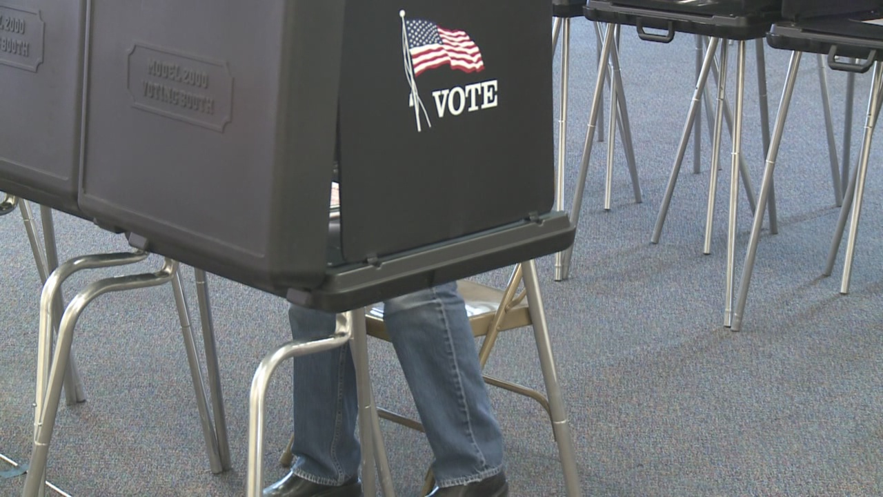 early-voting_460372