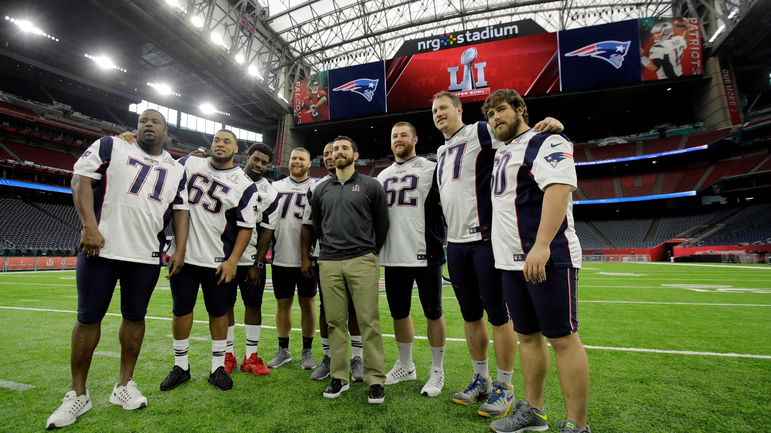 Patriots Falcons Super Bowl Football_520584