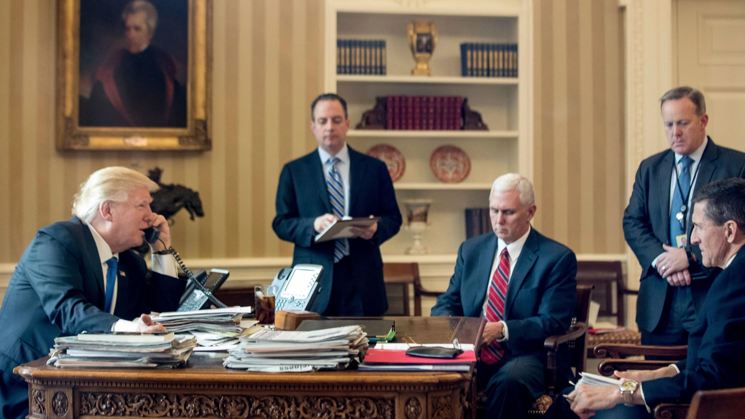 Donald Trump, Reince Priebus, Mike Pence, Sean Spicer, Michael Flynn_527816