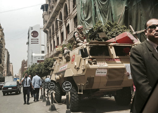 Egypt Dealing with Insurgency_570558