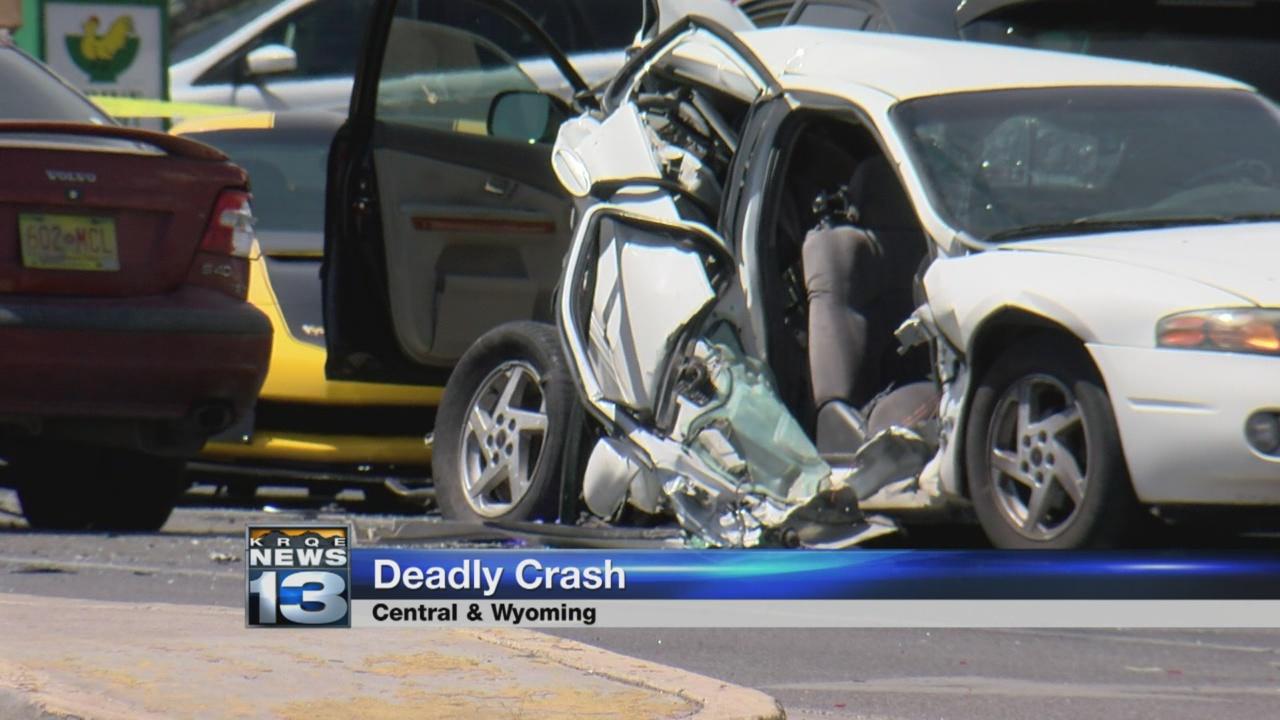 six vehicle crash_573902