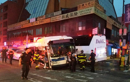 NY Buses Collide_681723