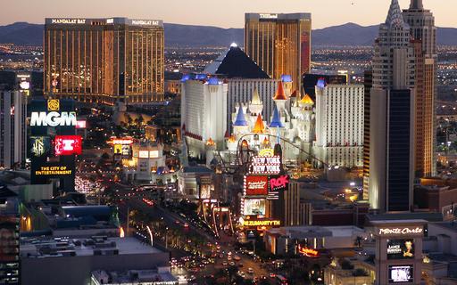 Vegas Tourism-Money_757350