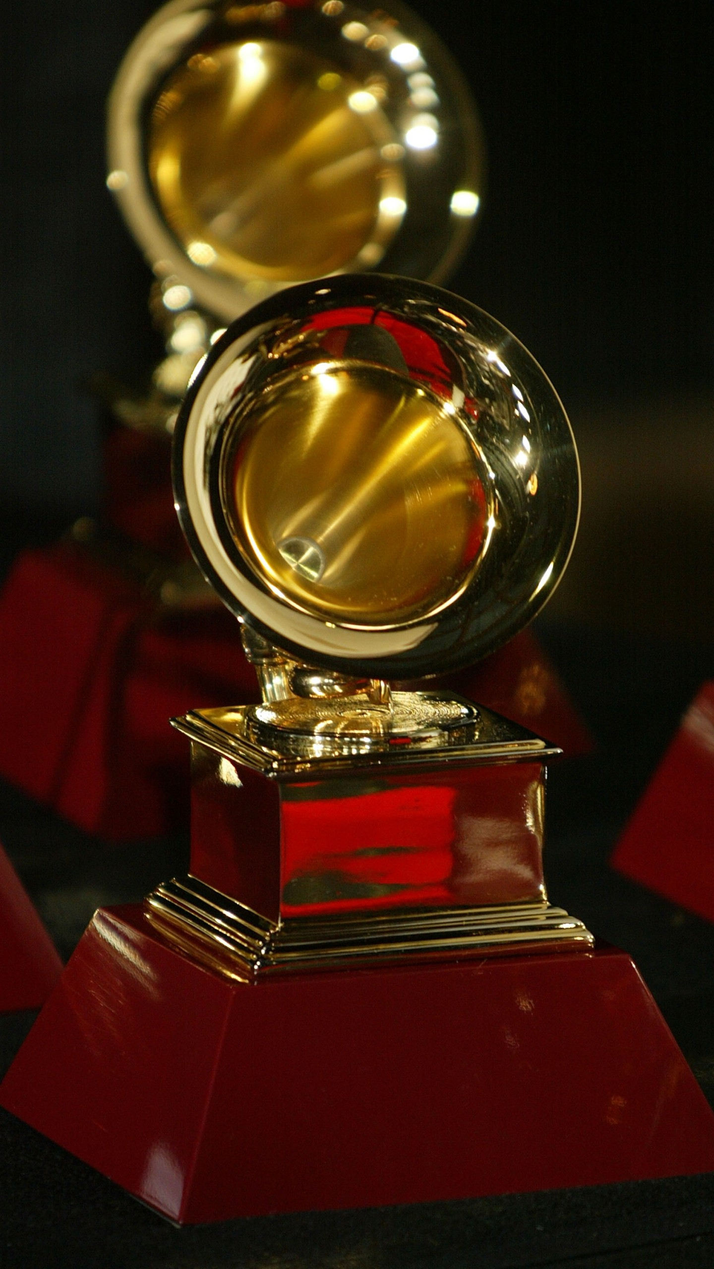6th Annual Latin Grammy Awards - Press Room_735709