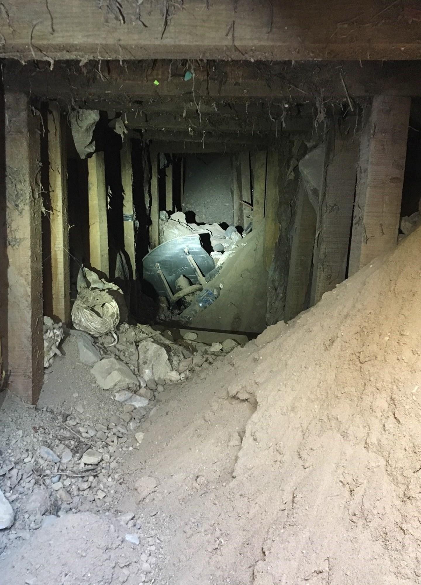 Border Tunnel Texas_778411