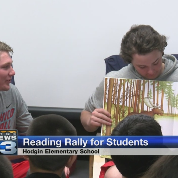 UNM student athletes volunteer to read to second graders_792831