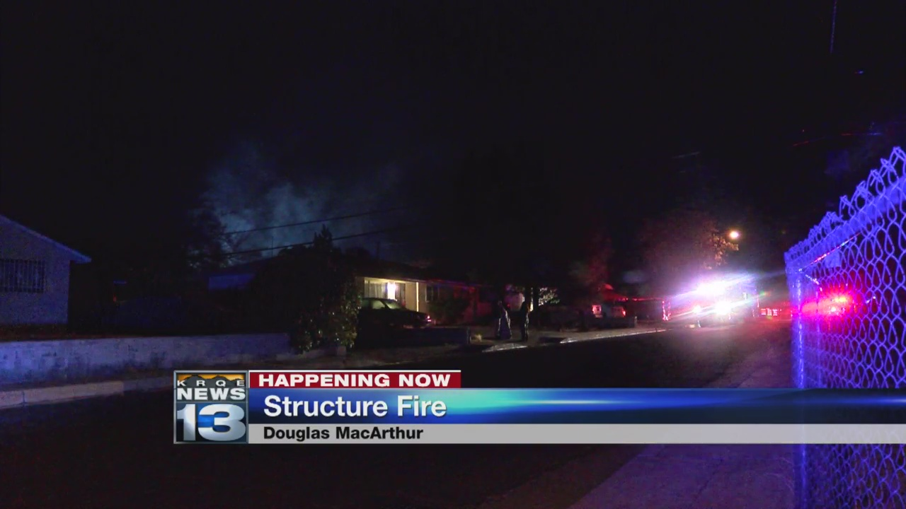 Fire closes off streets in northeast Albuquerque_1520943330016.jpg.jpg
