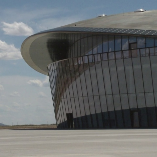 New_Mexico_s_Spaceport_makes_cameo_in_To_0_20190205051654