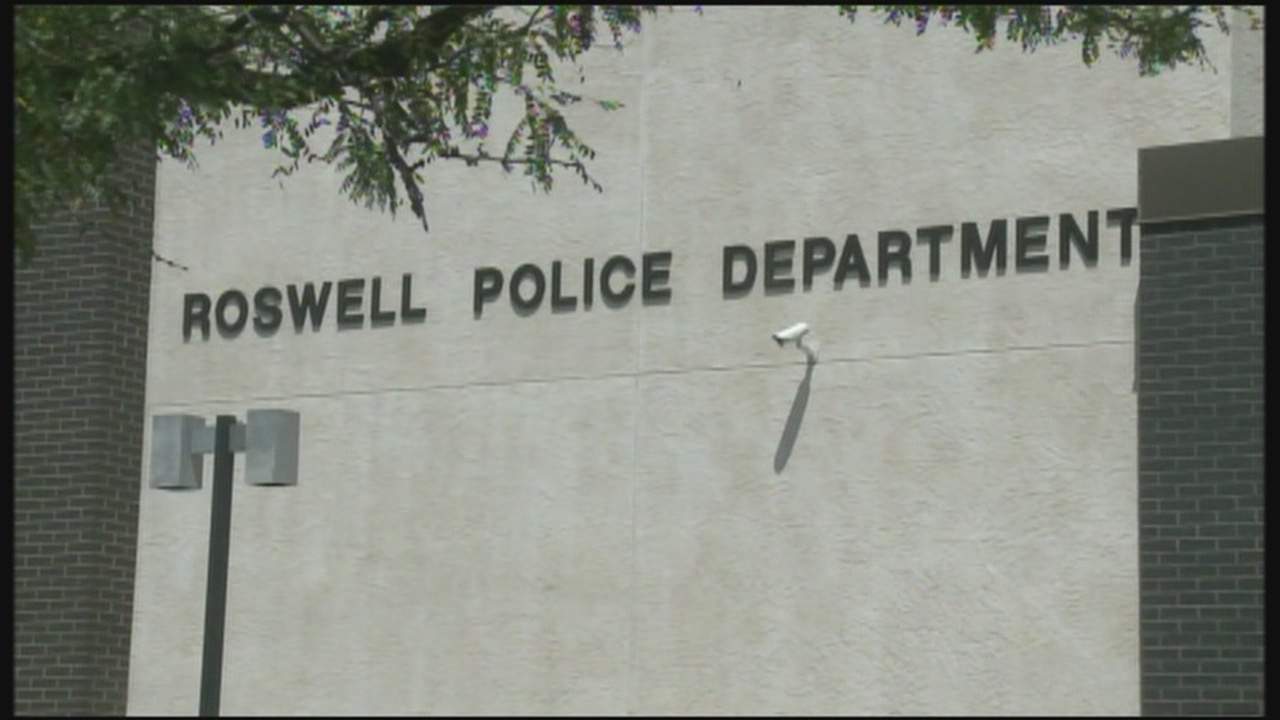 Roswell Police Exterior_230547