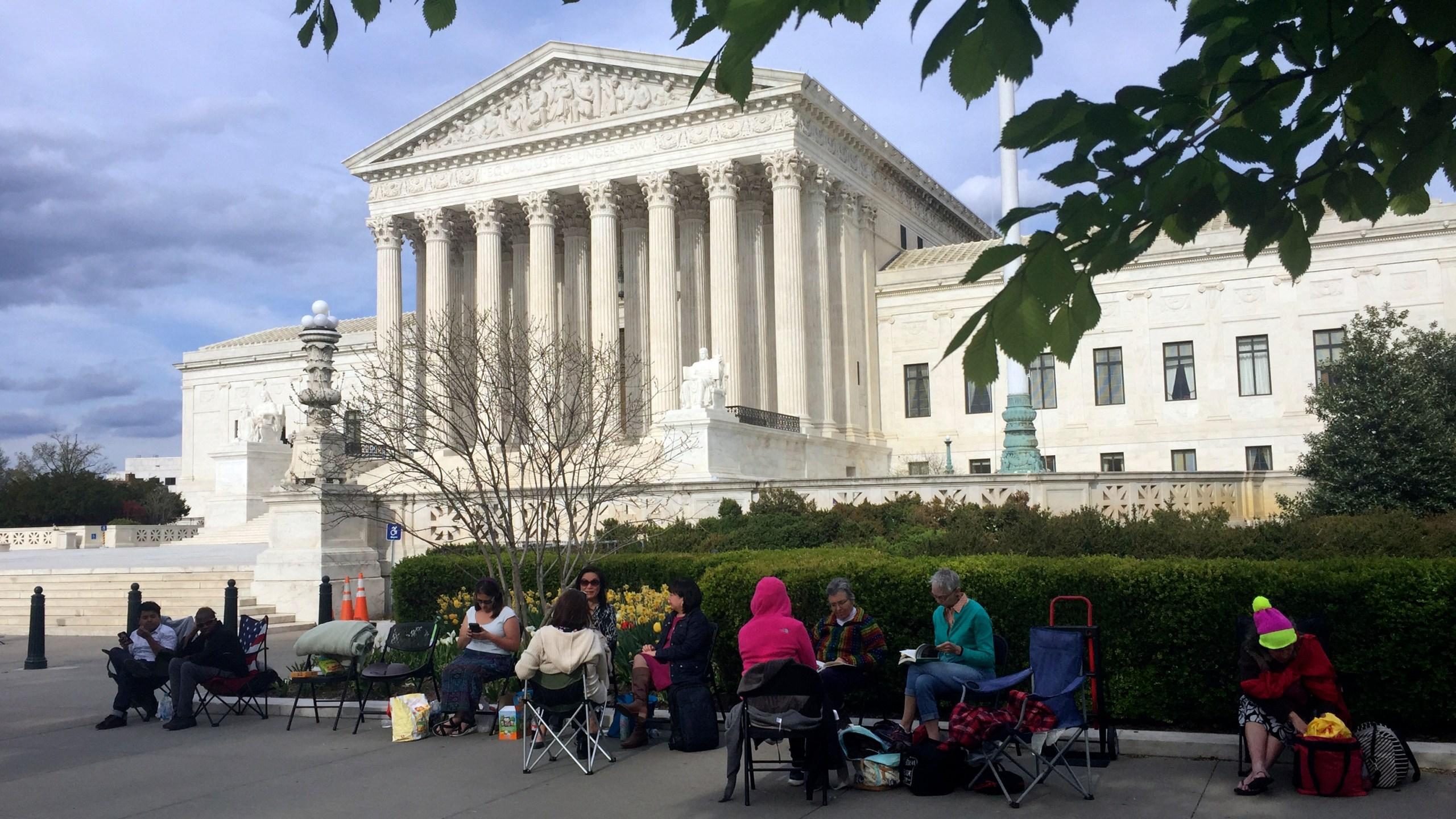 Supreme_Court_Travel_Ban_91686-159532.jpg86090324