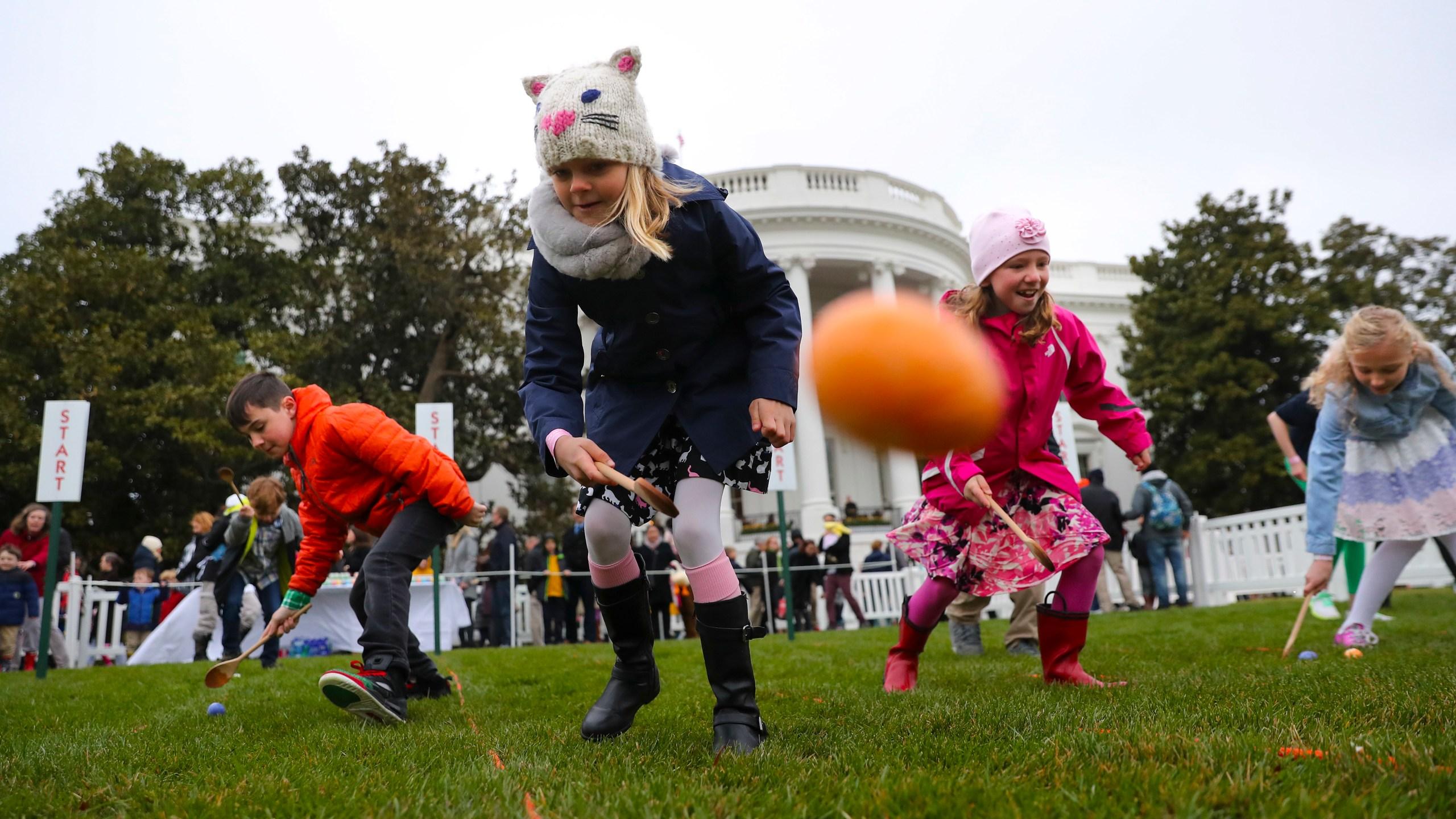 APTOPIX Trump Easter Egg Roll_1522673931404