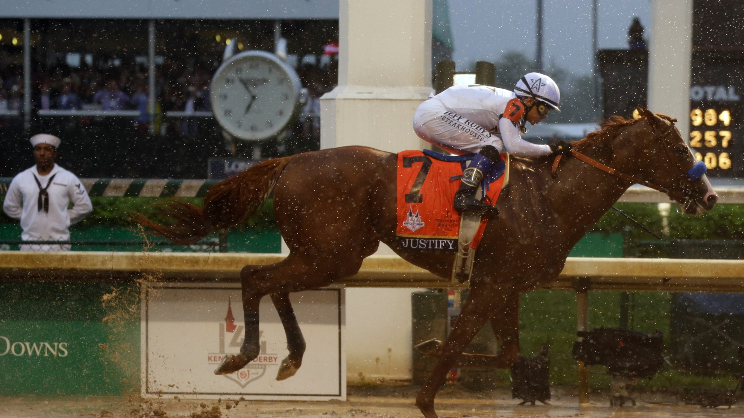Kentucky Derby Horse Racing_1525561797306
