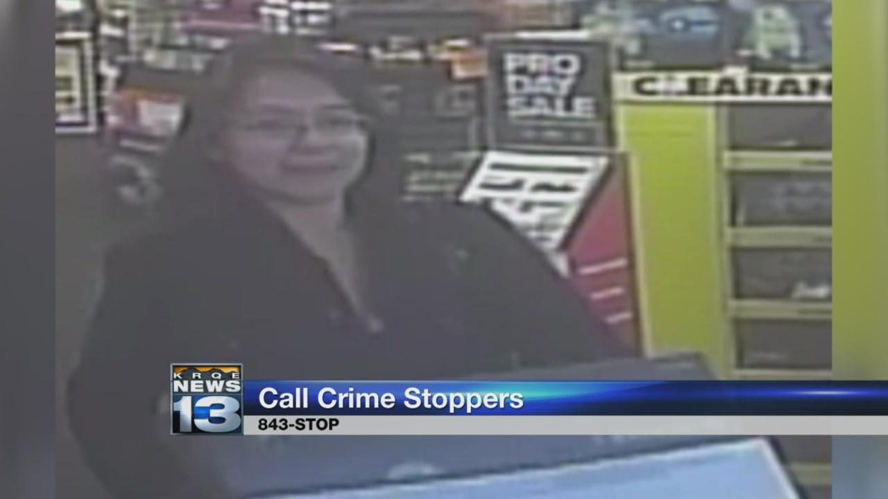 Detectives ask for help catching stolen credit card suspect_1526011848175.jpg.jpg
