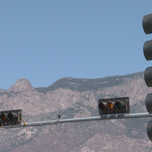 Drivers push for Paseo del Norte traffic light study