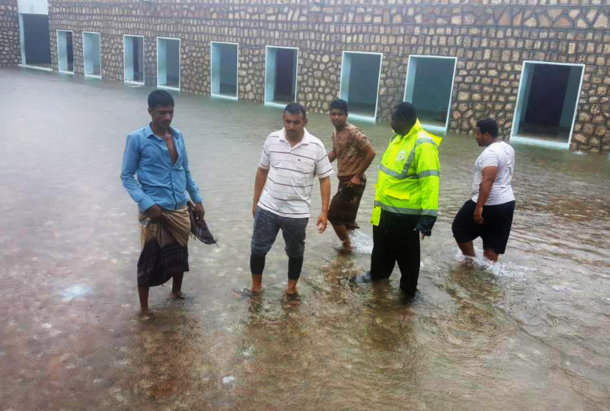 Oman_Cyclone_20838-159532.jpg92387362