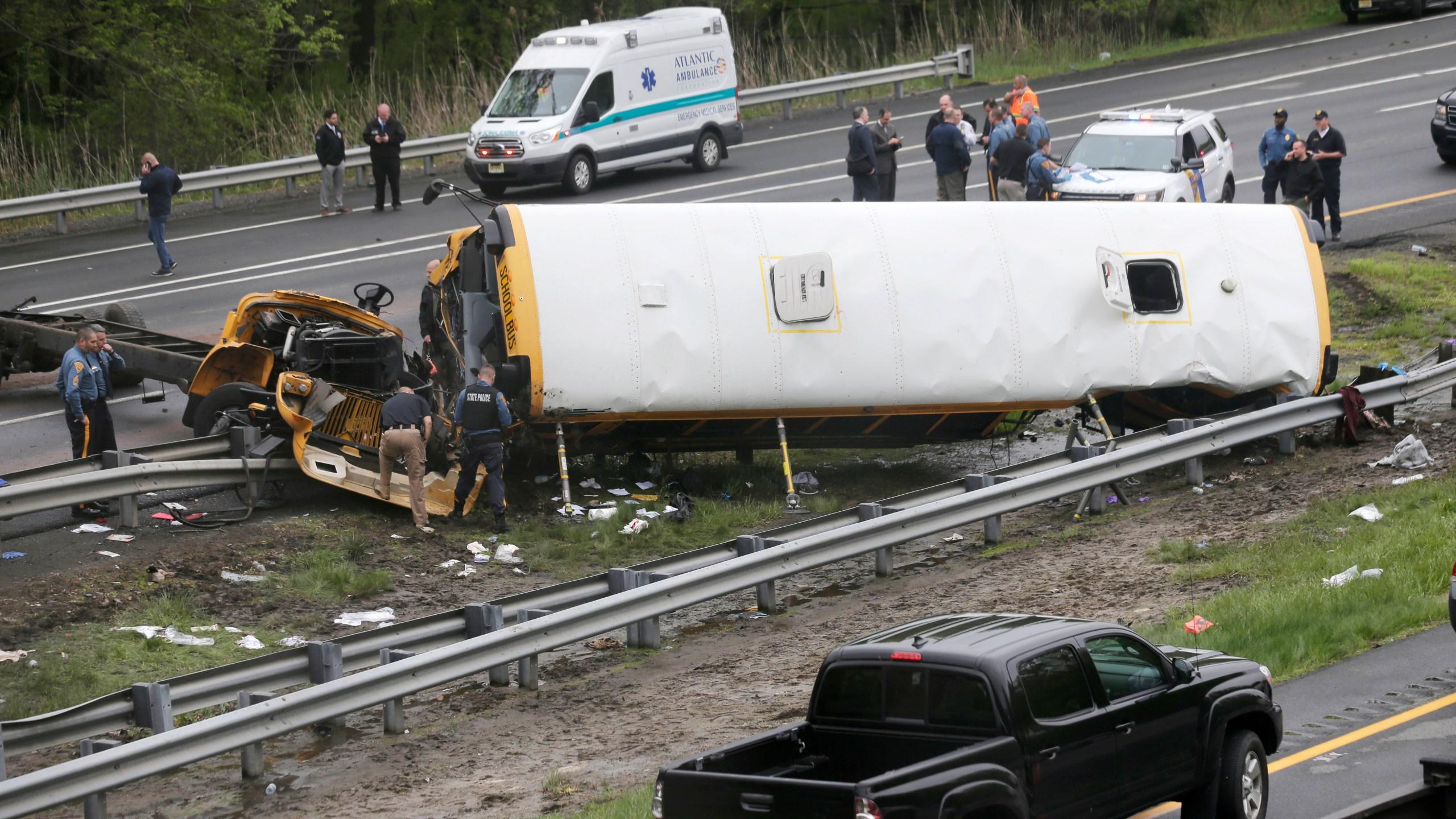 School Bus Dump Truck Crash_1526577286035