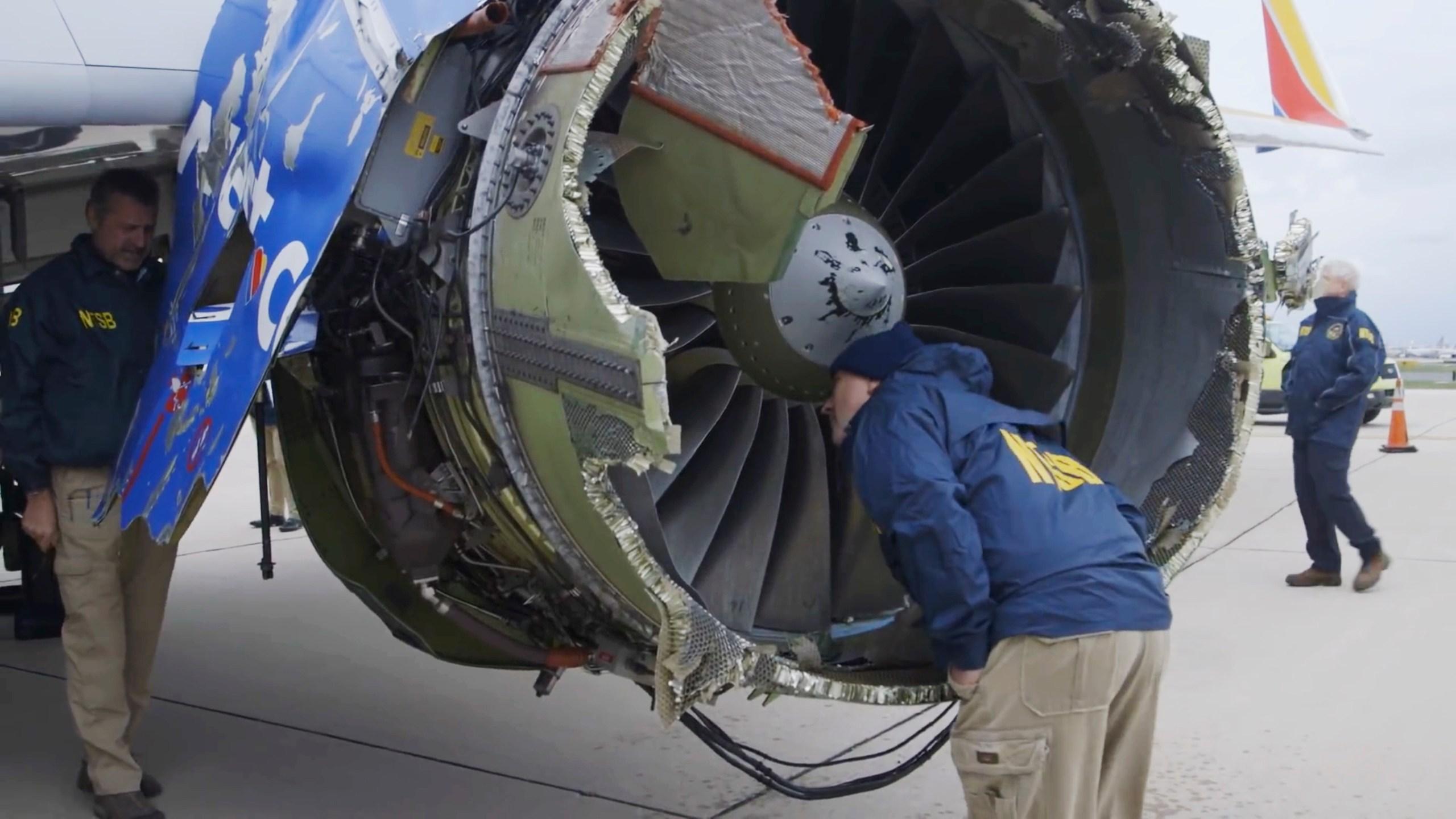 Southwest_Airlines_Emergency_Landing_40984-159532.jpg67468332