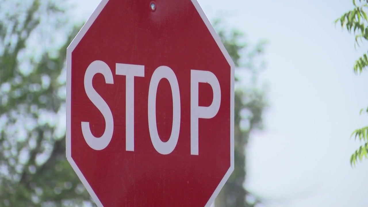 stop sign_1527135534391.jpg.jpg