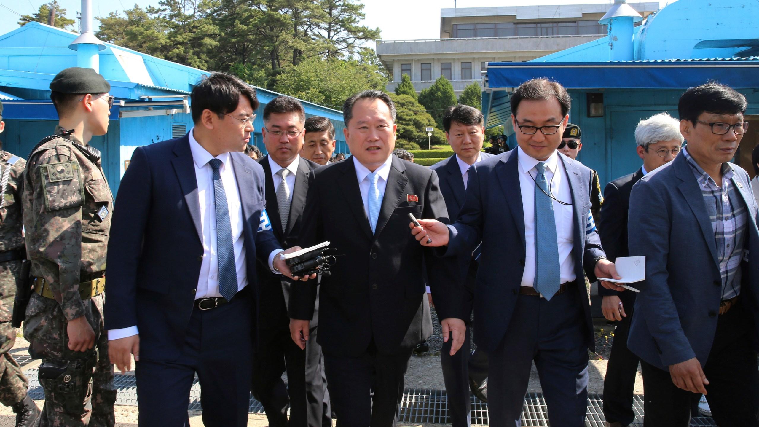 South Korea Koreas Tension Awkward Exchange_1527852593568