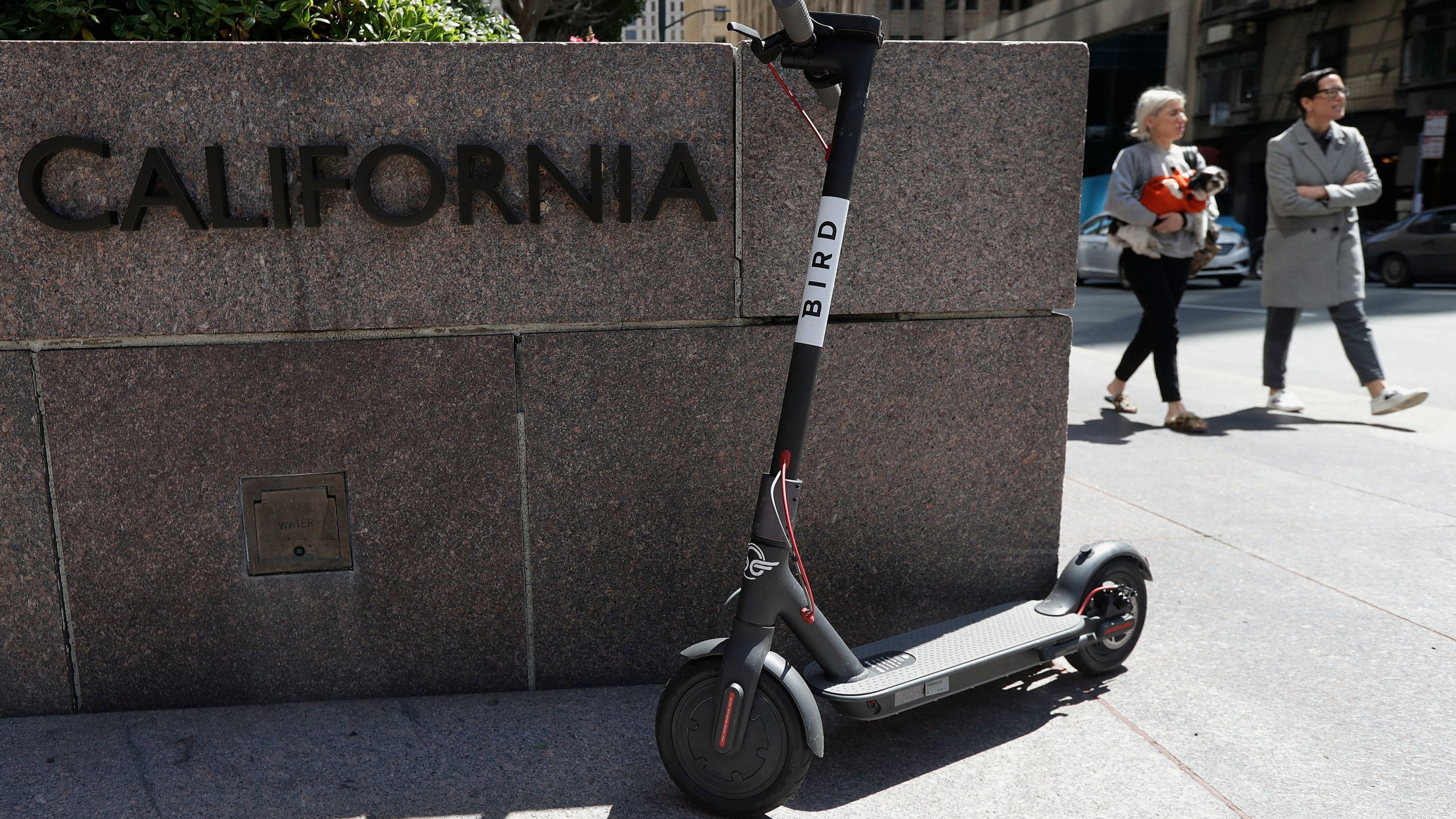 Dockless_Scooters_San_Francisco_97444-159532.jpg57535137