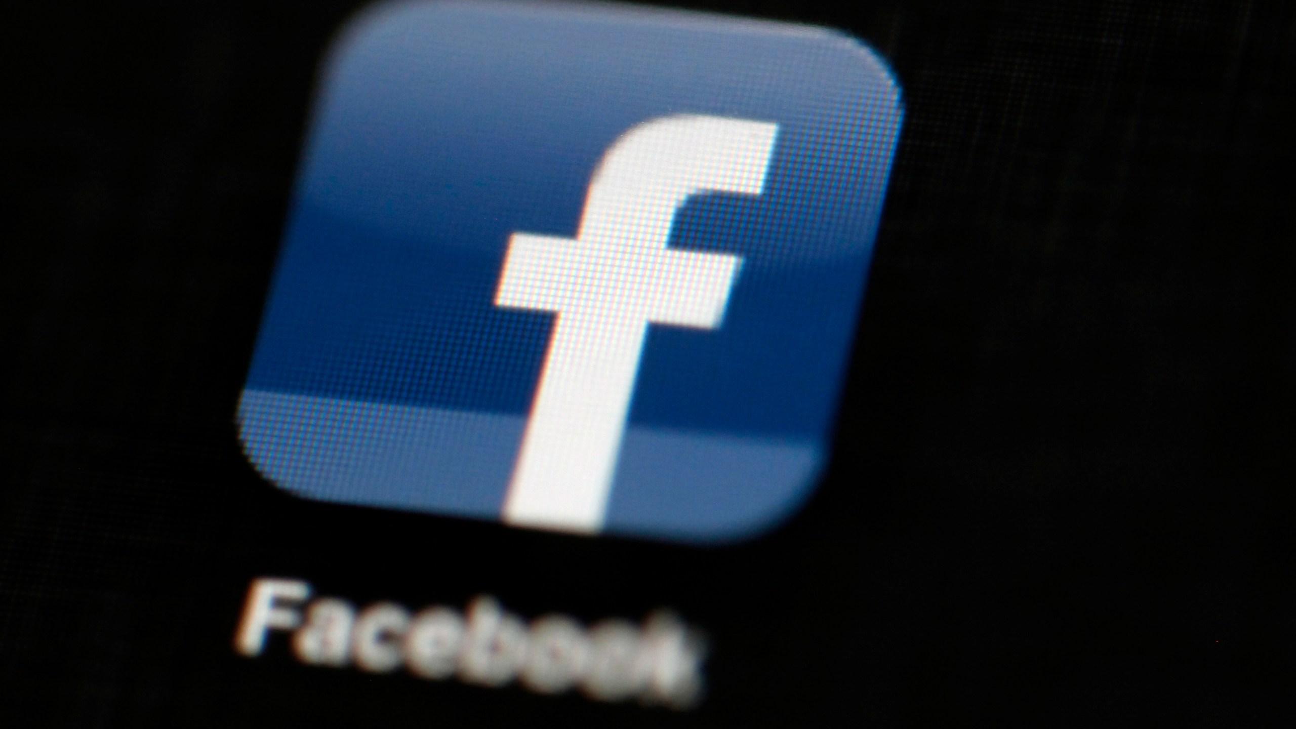 Facebook_Privacy_Scandal_87803-159532.jpg93745624