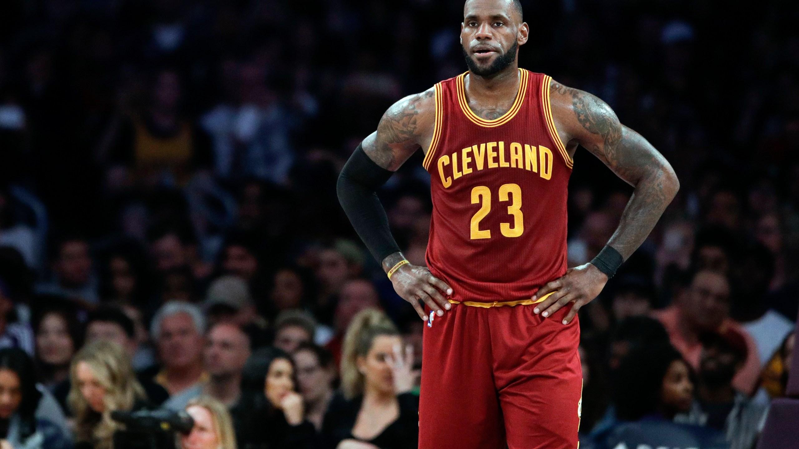 NBA_Free_Agency_LeBron's_Options_Basketall_18644-159532.jpg37652895