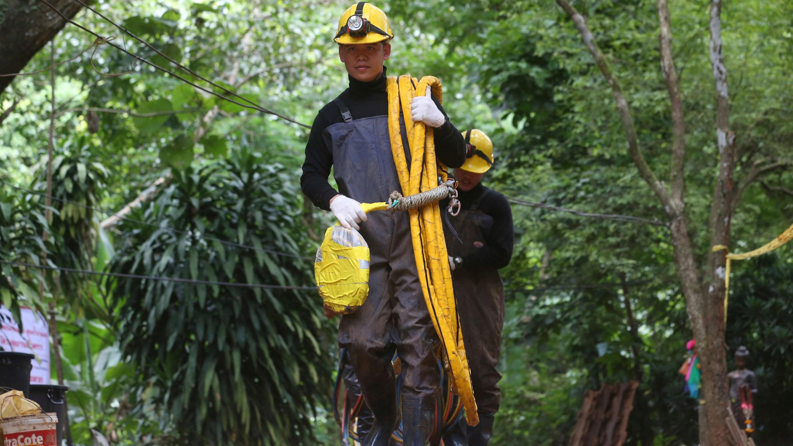 Thailand_Cave_Search_73888-159532.jpg16269699