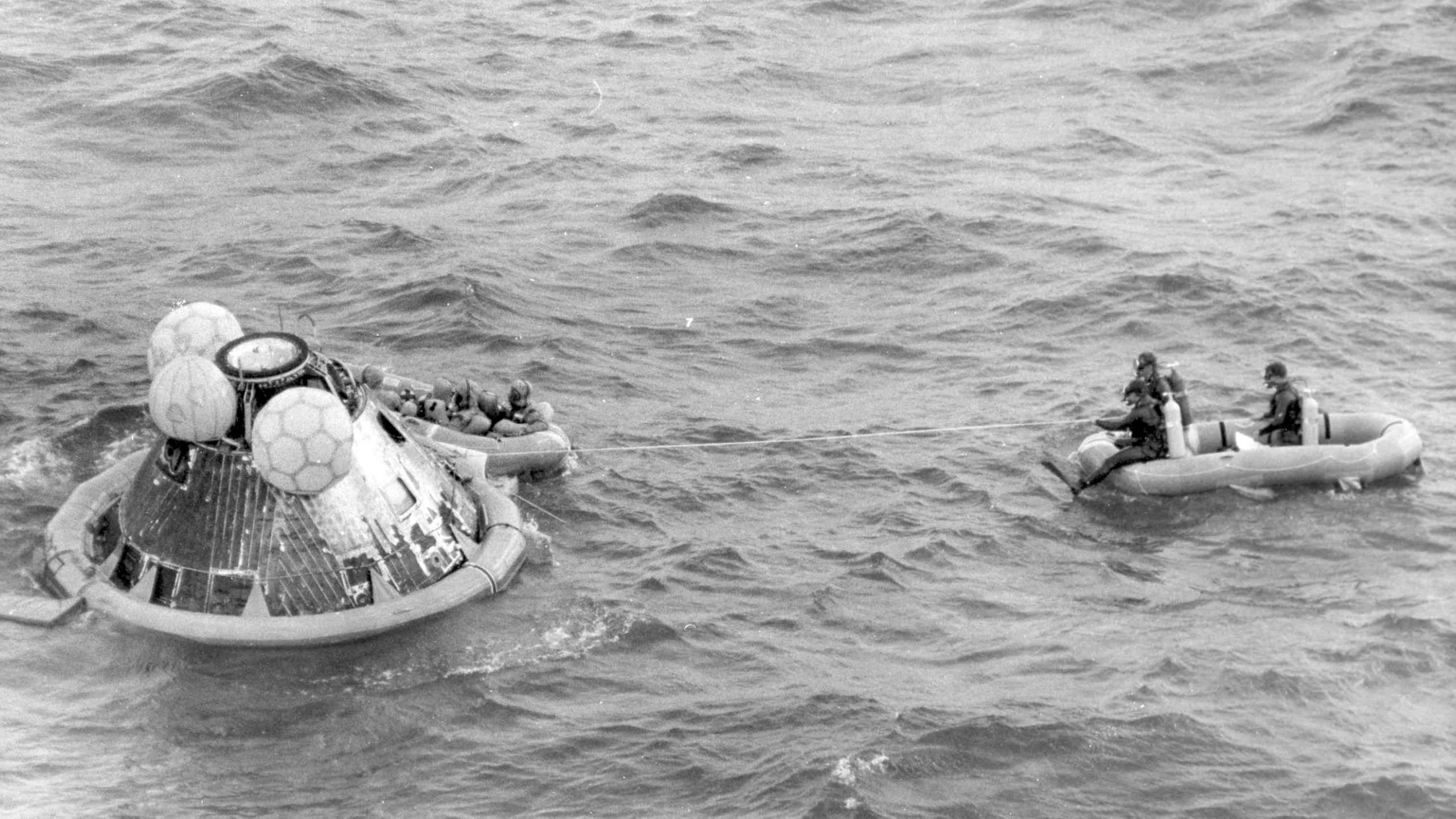APOLLO 11 SPLASHDOWN_1533218743753