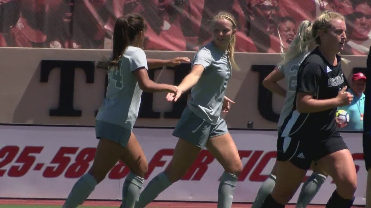 Lobo_Women_s_Soccer_wins_their_2nd_strai_0_20180827045347