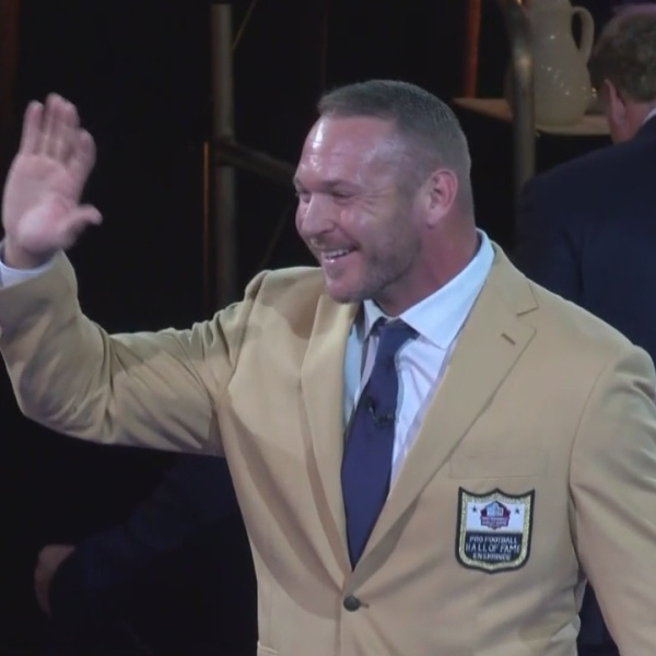 Urlacher_reflects_on_journey_to_the_NFL__0_20180804190136