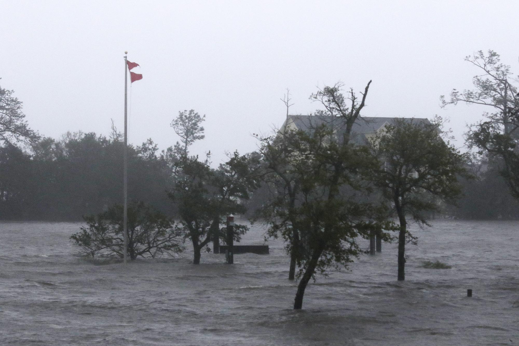 APTOPIX_Tropical_Weather_North_Carolina_13107-159532.jpg72106747