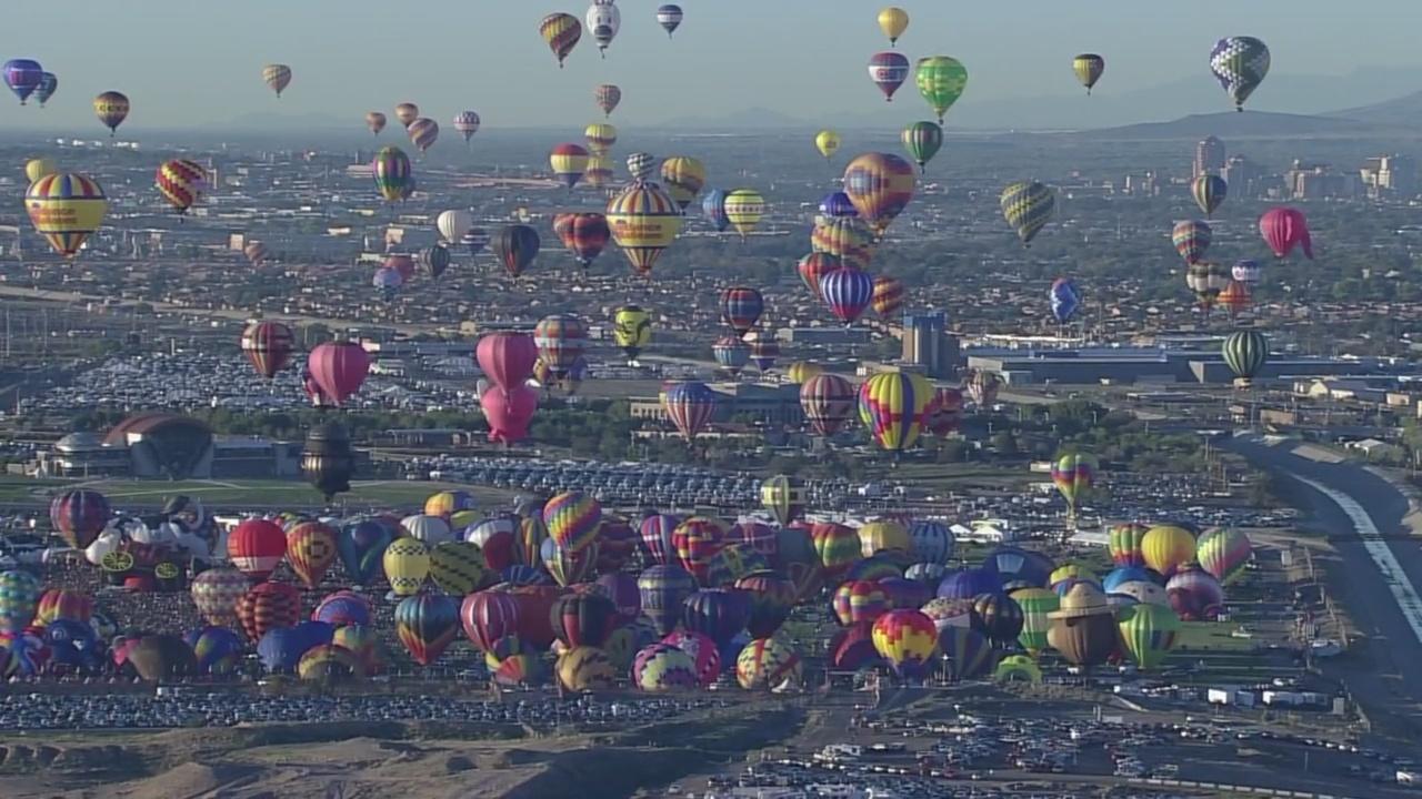 Balloon_Fiesta_is_like__Christmas_in_Oct_1_20180918040715