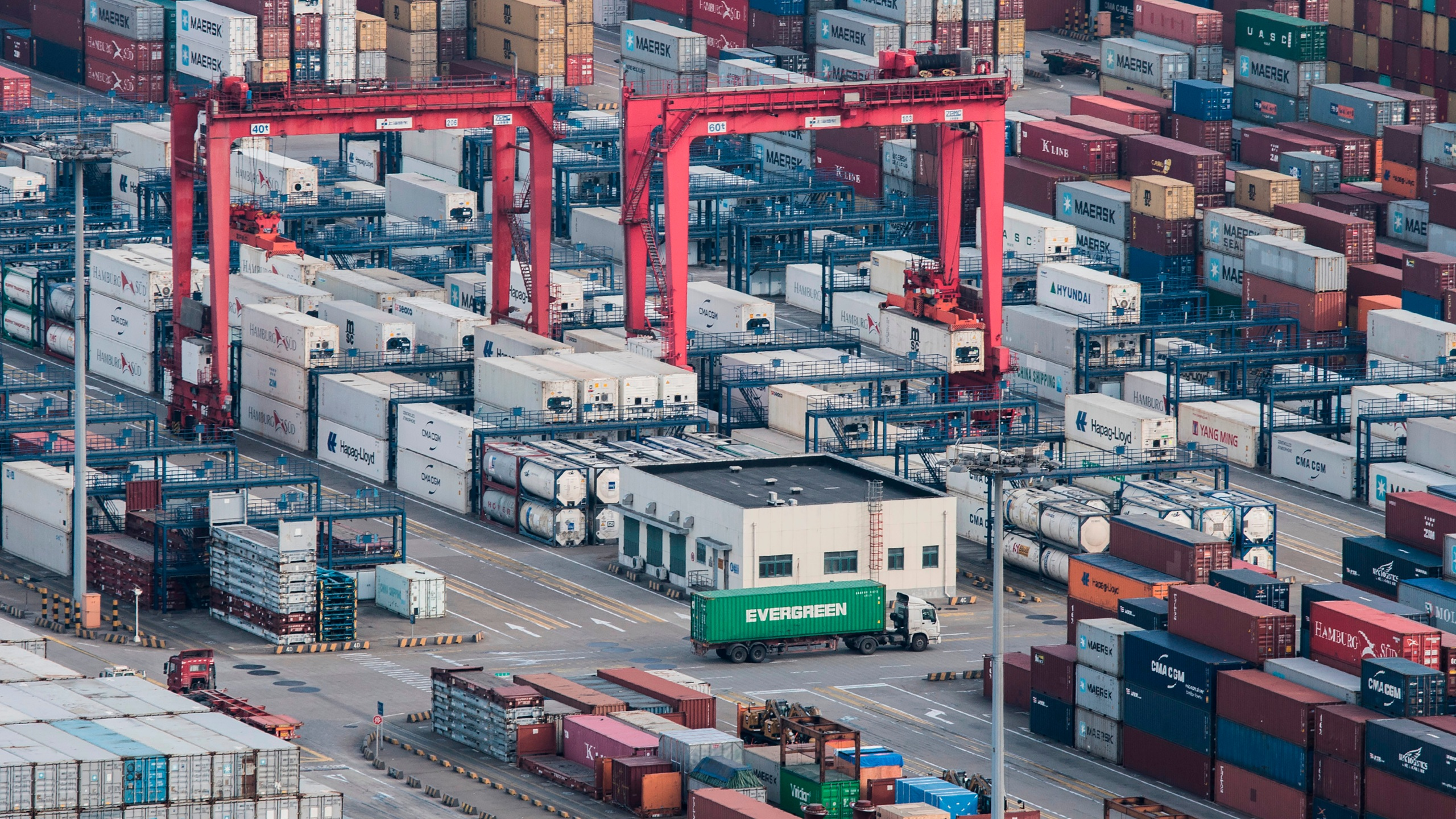 China_Economy_39668-159532.jpg20690842