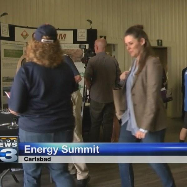 Gov. Martinez, Brian Urlacher attend energy summit in Carlsbad