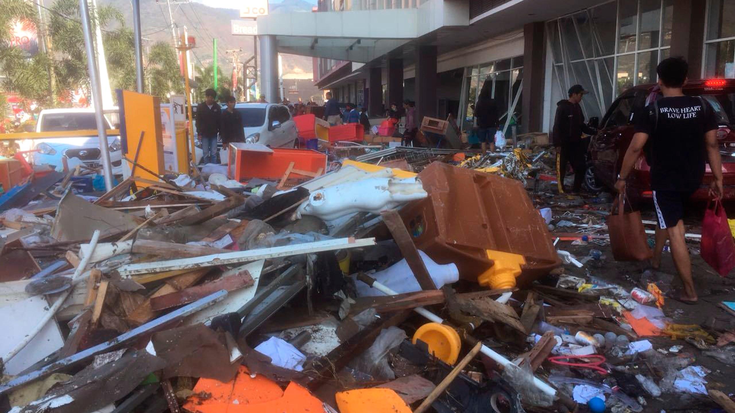 Indonesia_Earthquake_71218-159532.jpg68504295