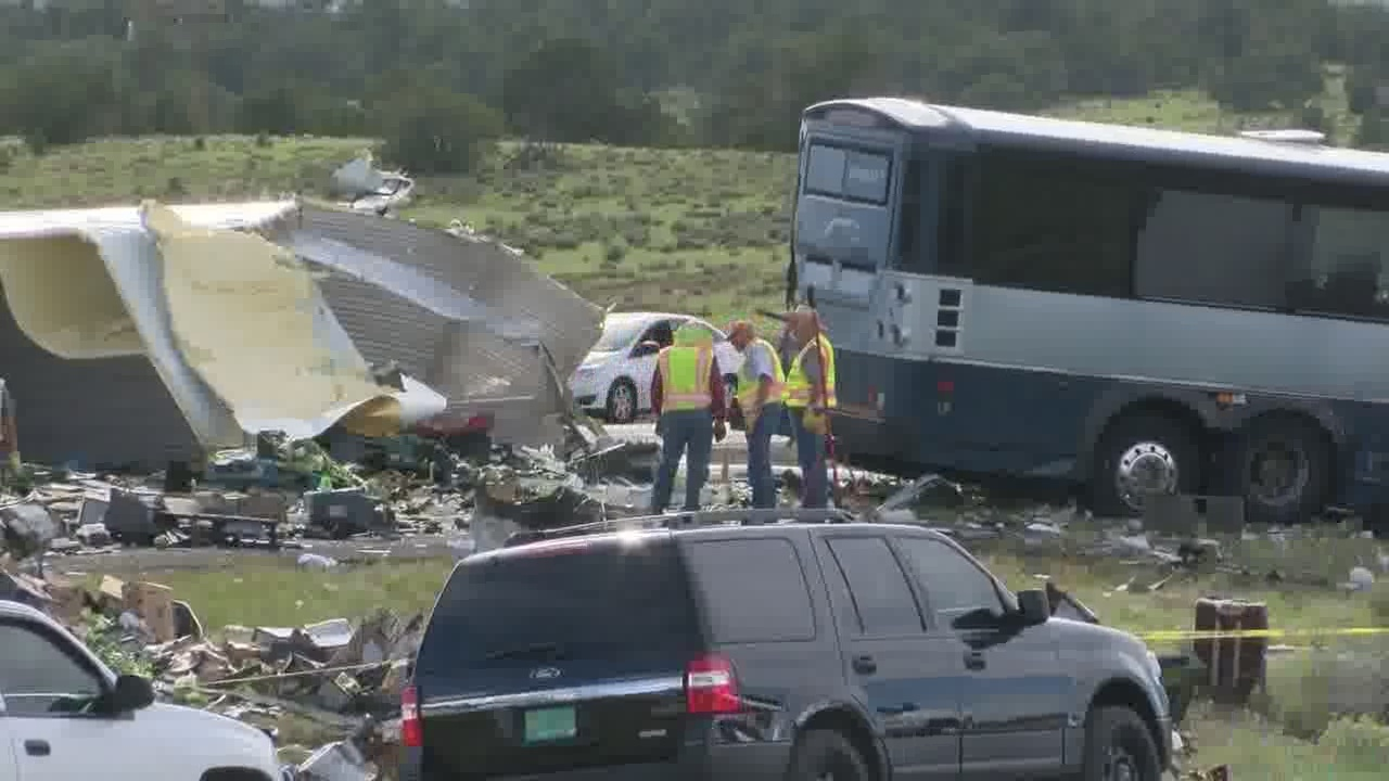 NTSB_give_update_on_fatal_bus_crash_inve_0_20180902000920