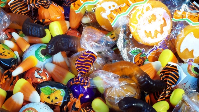 Halloween-candy-cropped-jpg_158985_ver1_20181009054952-159532