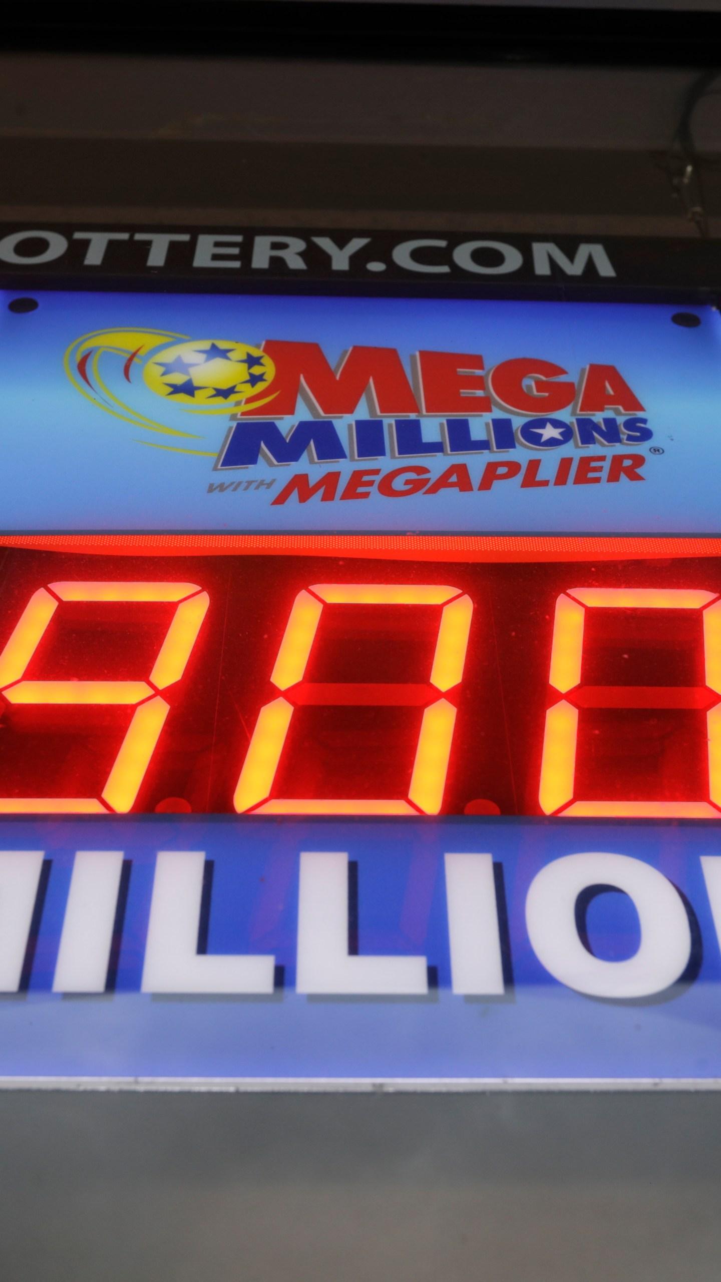 No Winners For 430m Powerball 900m Mega Millions