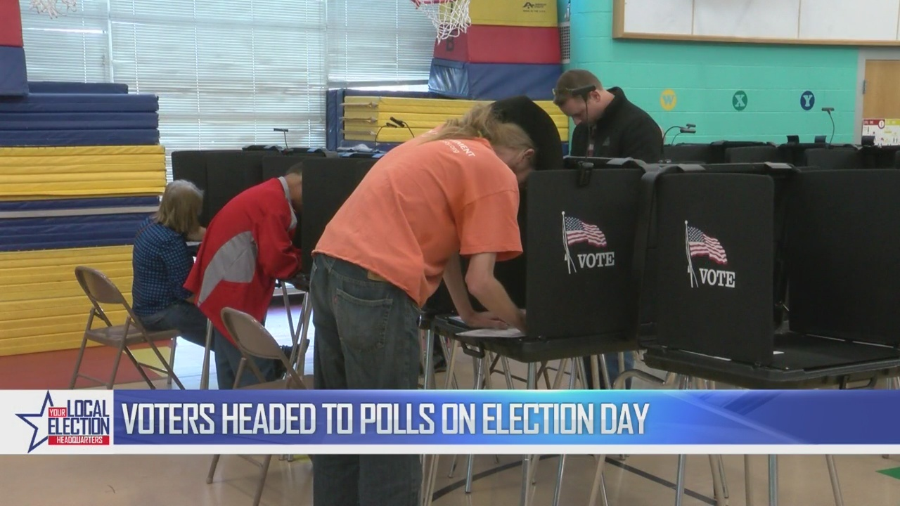 Polls_see_steady_stream_of_voters_on_Ele_1_20181106190615