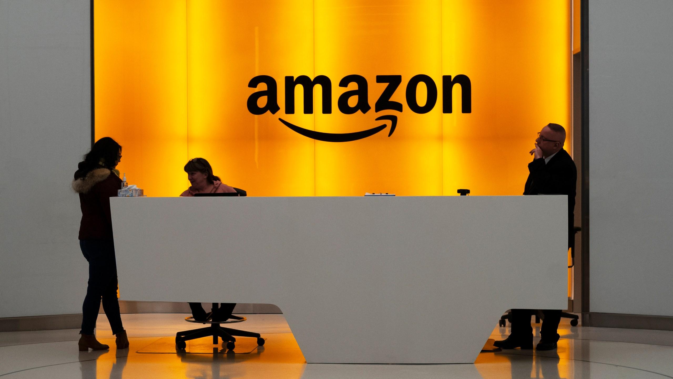 APTOPIX_Amazon_HQ_95155-159532.jpg77708174
