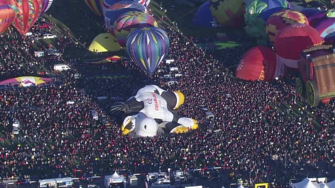 A_view_from_the_top__Balloon_Fiesta_and__4_20180921210340