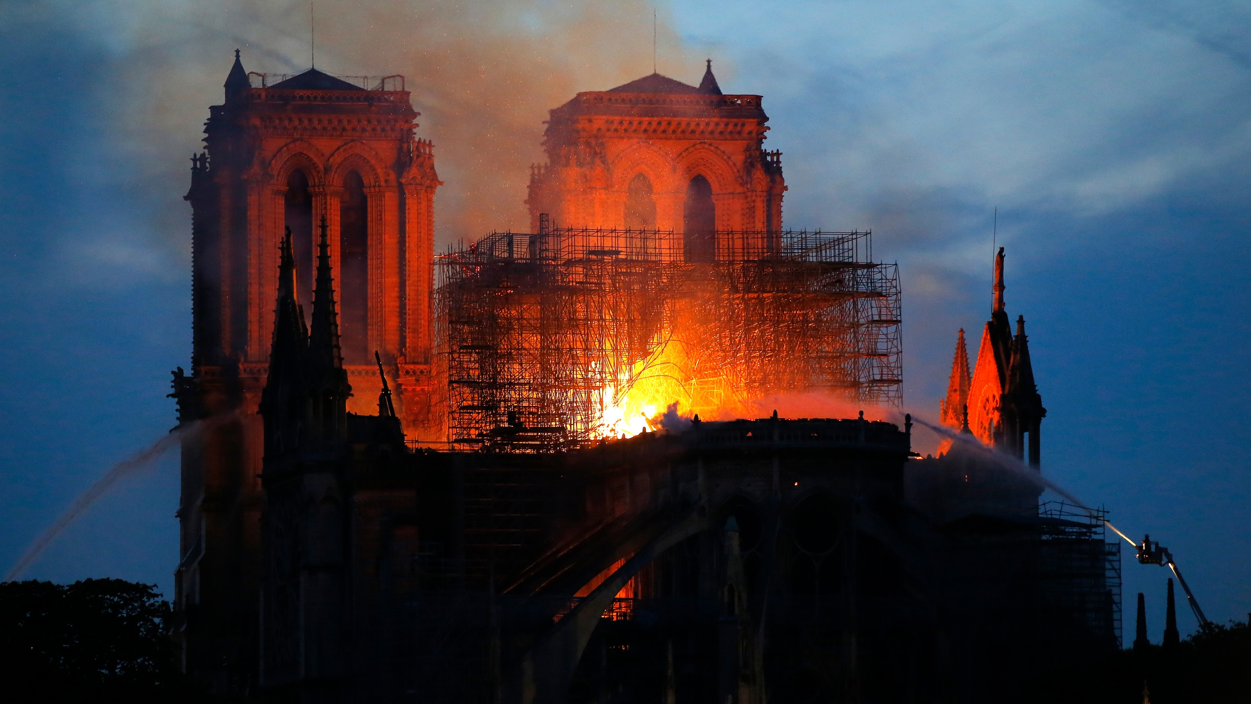 France Notre Dame Fire_1555358027423