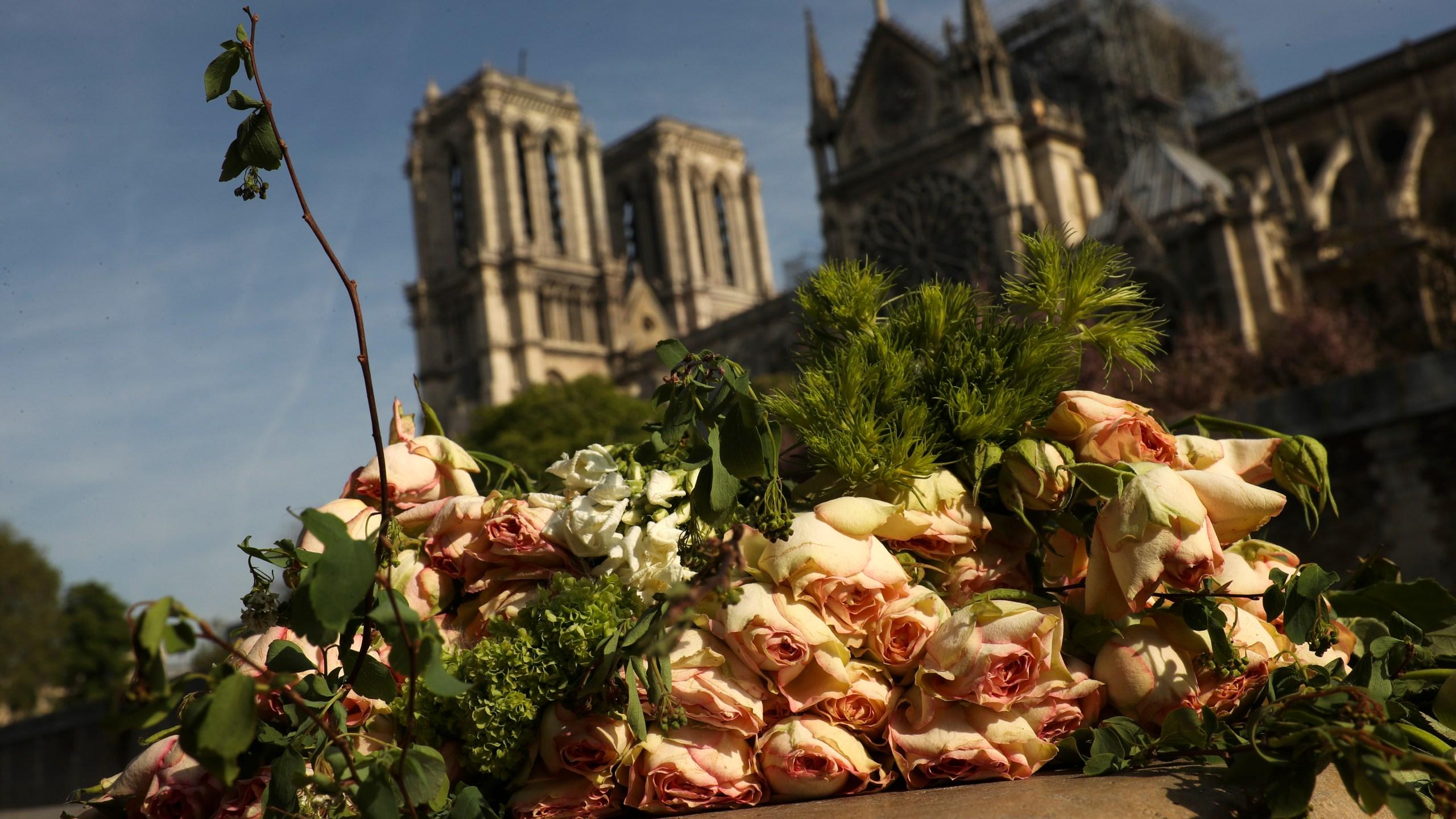 France_Notre_Dame_Fire_27504-159532.jpg83496104